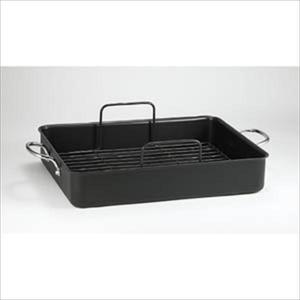 Specialty Non-Stick Roaster with Rack Product Image